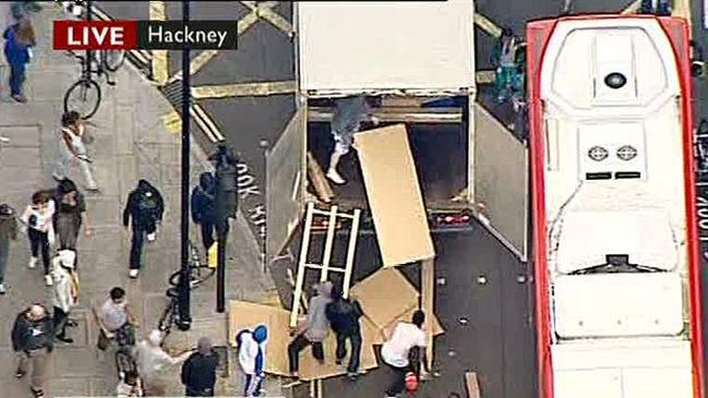Plundered   contents lorry are stolen